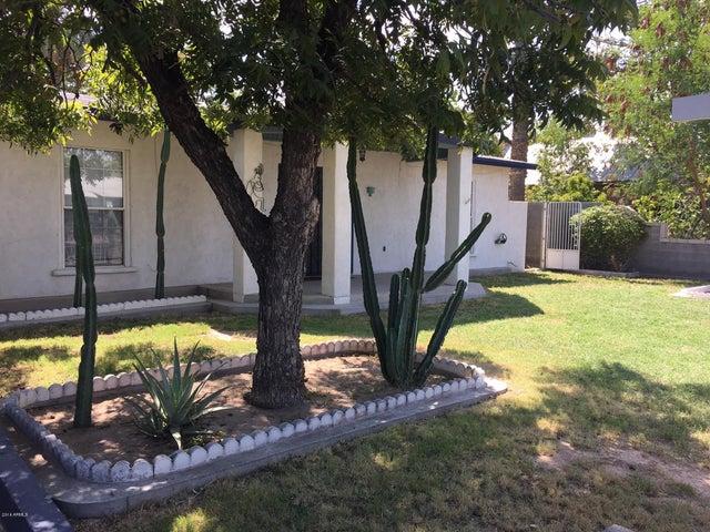 5815 S 7TH Street, Phoenix, AZ 85040