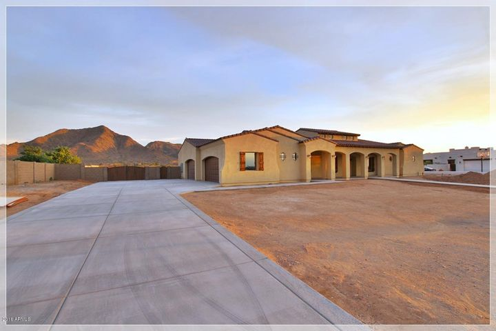 5683 W CREEKSIDE Lane, Queen Creek, AZ 85142