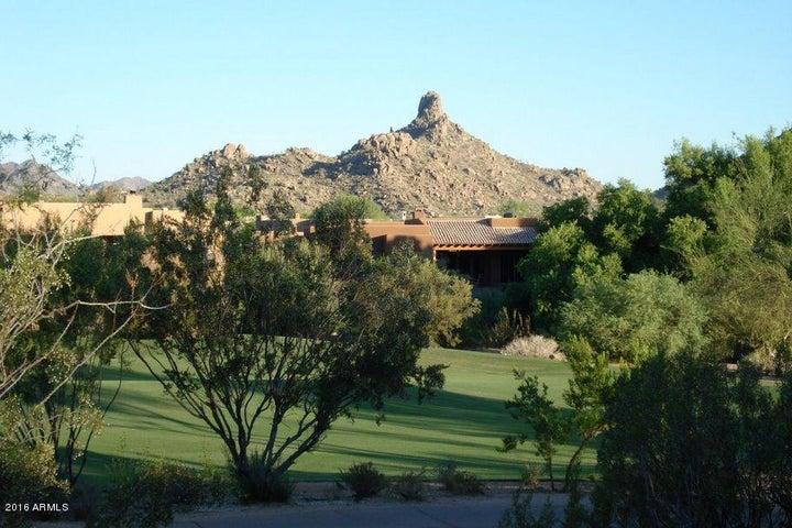 9725 E MONUMENT Drive, Scottsdale, AZ 85262