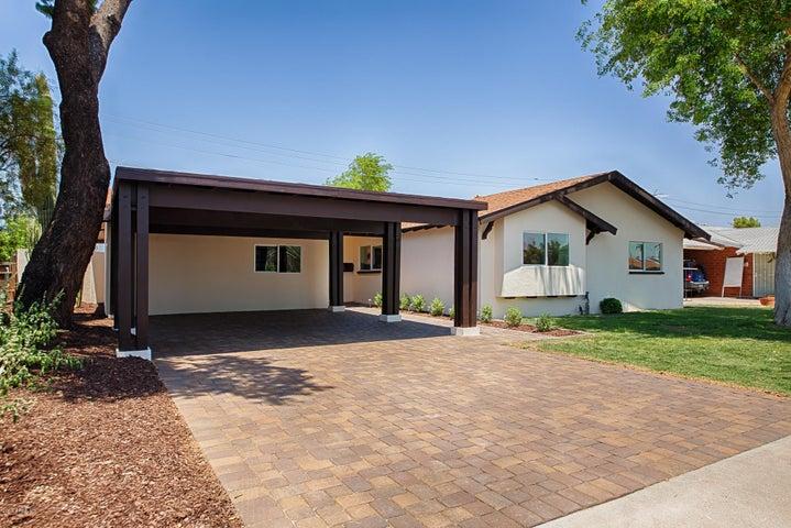 8220 E INDIANOLA Avenue, Scottsdale, AZ 85251