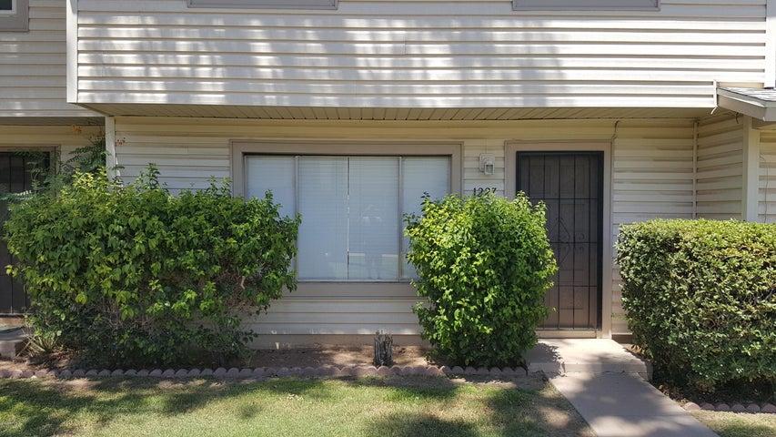 1227 E MINTON Drive, Tempe, AZ 85282