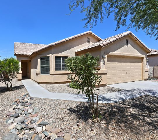 2654 E SILVERSMITH Trail, San Tan Valley, AZ 85143