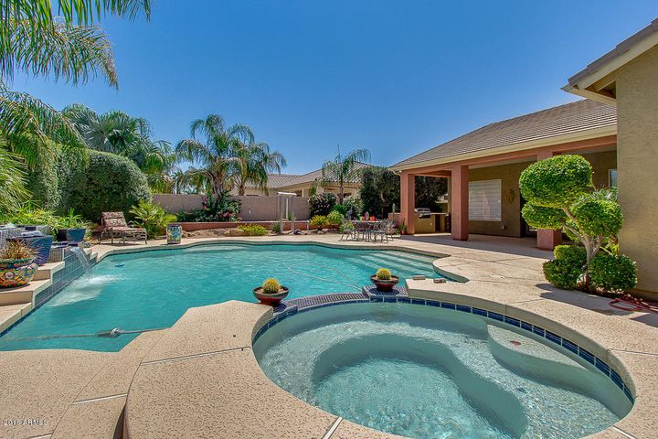 2230 E Indian Wells Drive, Chandler, AZ 85249