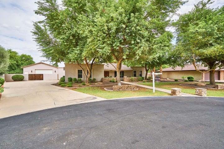 700 E TREMAINE Avenue, Gilbert, AZ 85234