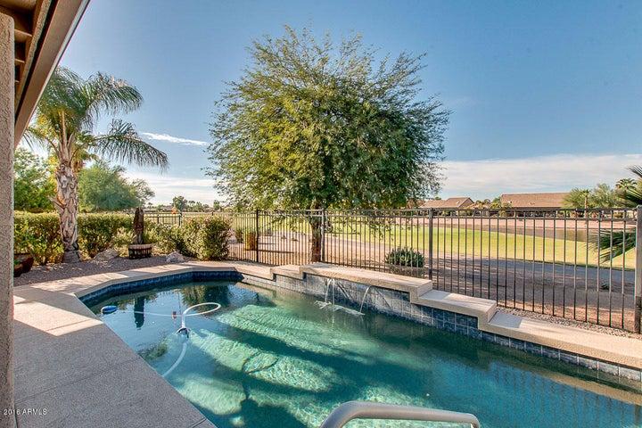 10230 E Arrowvale Drive, Sun Lakes, AZ 85248