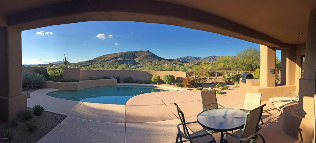 Sunset & Mountain View Patio