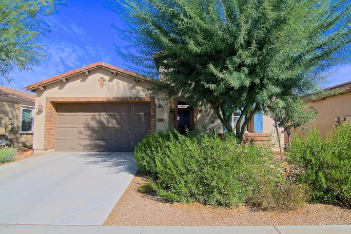 1808 E LADDOOS Avenue, San Tan Valley, AZ 85140
