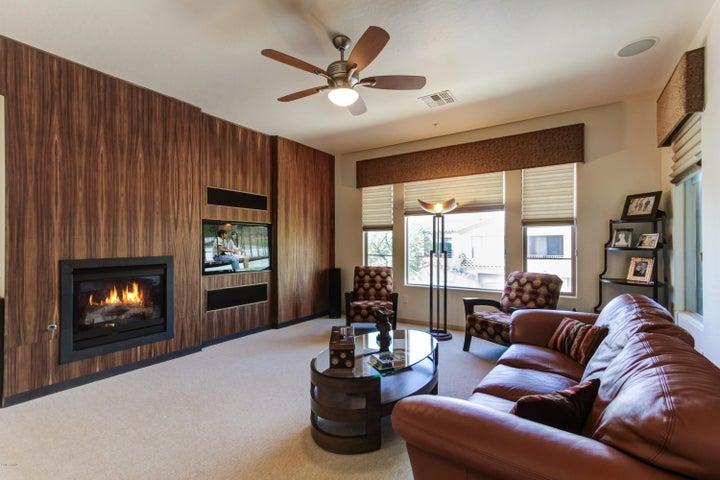 19475 N GRAYHAWK Drive, 2082, Scottsdale, AZ 85255