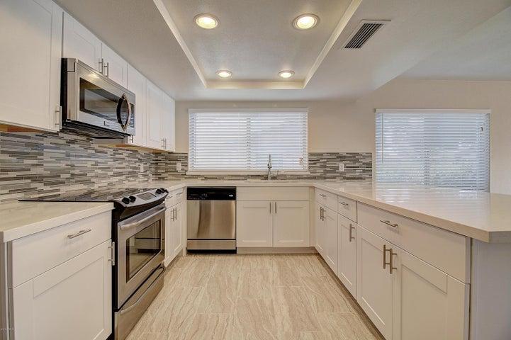 3125 W WALTANN Lane, Phoenix, AZ 85053