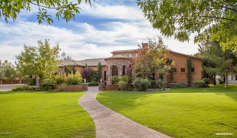 7233 E ROYAL PALM Road, Scottsdale, AZ 85258