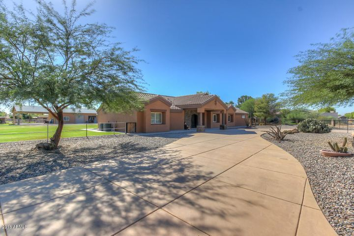 417 E PONY Lane, Gilbert, AZ 85295