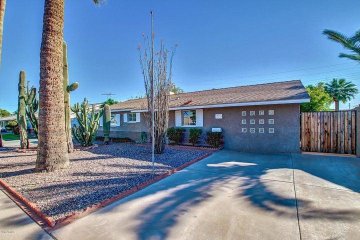 7519 E MORELAND Street, Scottsdale, AZ 85257