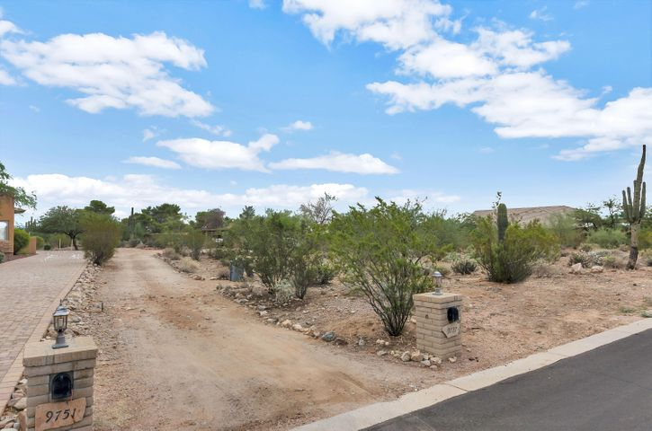 Driveway to both properties