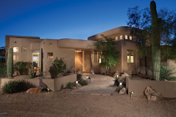 Desert Skyline is a intimate gated enclave of custom homes on 1+acre home sites. Conveniently positioned north of Happy Valley Road to make quick trip and easy trips to dining, shopping, the airport and to our world class golf courses.