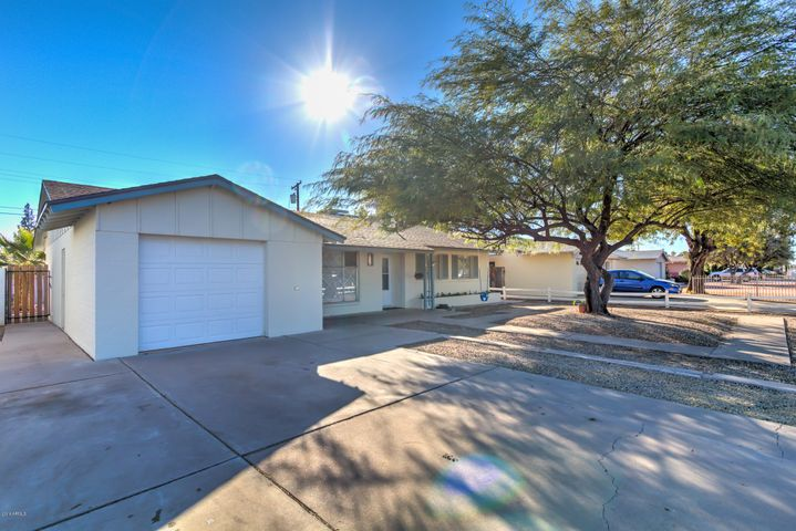 8323 E OAK Street, Scottsdale, AZ 85257