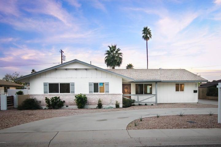 8207 E HIGHLAND Avenue, Scottsdale, AZ 85251
