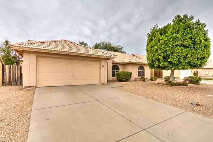 944 N SWALLOW Lane, Gilbert, AZ 85234