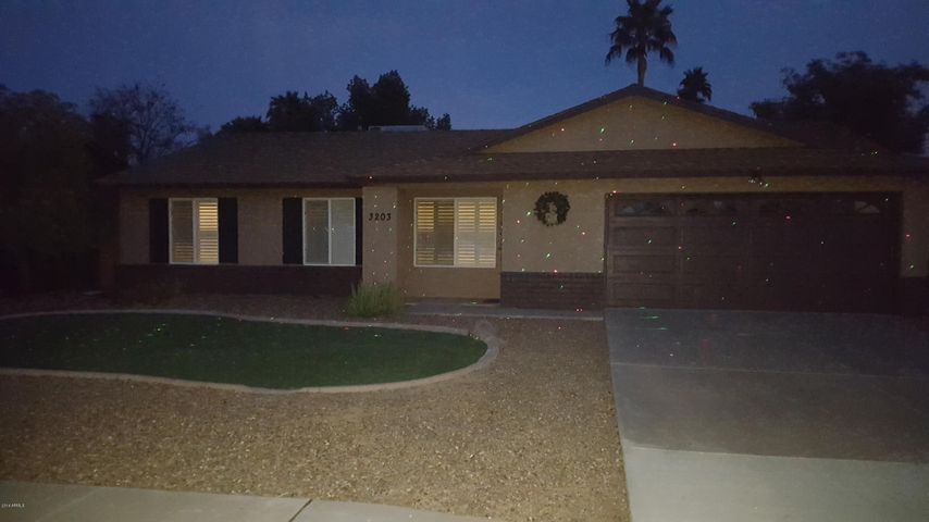 3203 N SYCAMORE Place, Chandler, AZ 85224