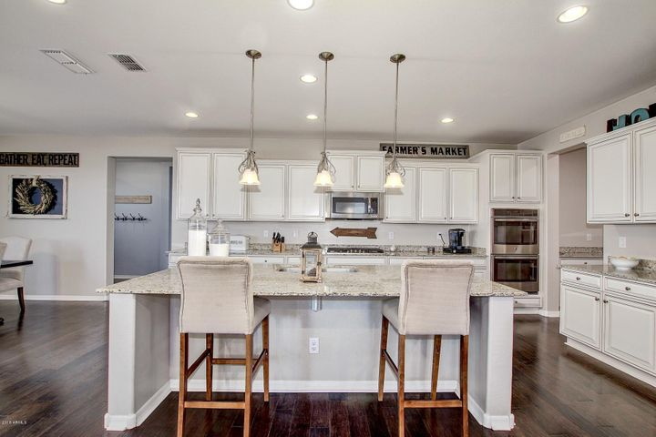 Model perfect upgraded kitchen