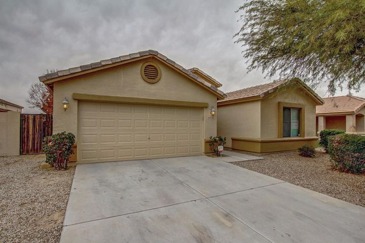 40156 N VINCENZA Street, San Tan Valley, AZ 85140
