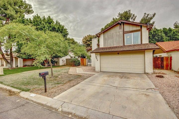 952 E DRIFTWOOD Drive, Tempe, AZ 85283