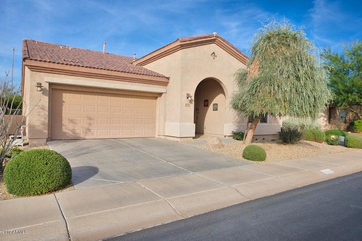 4538 E RAKESTRAW Lane, Gilbert, AZ 85298