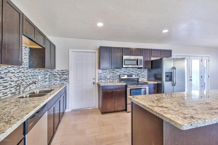7002 E LOMA LAND Drive, Scottsdale, AZ 85257