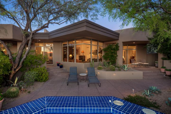 10525 E HONEY MESQUITE Drive, Scottsdale, AZ 85262