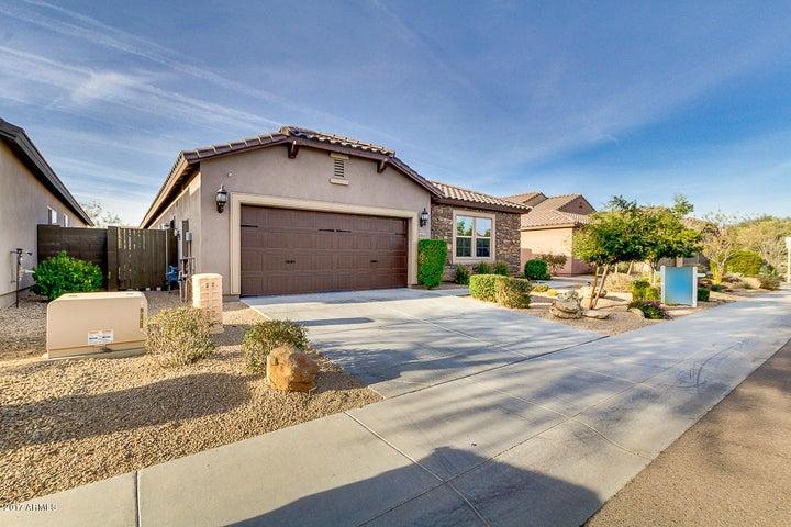 3753 E COVEY Lane, Phoenix, AZ 85050