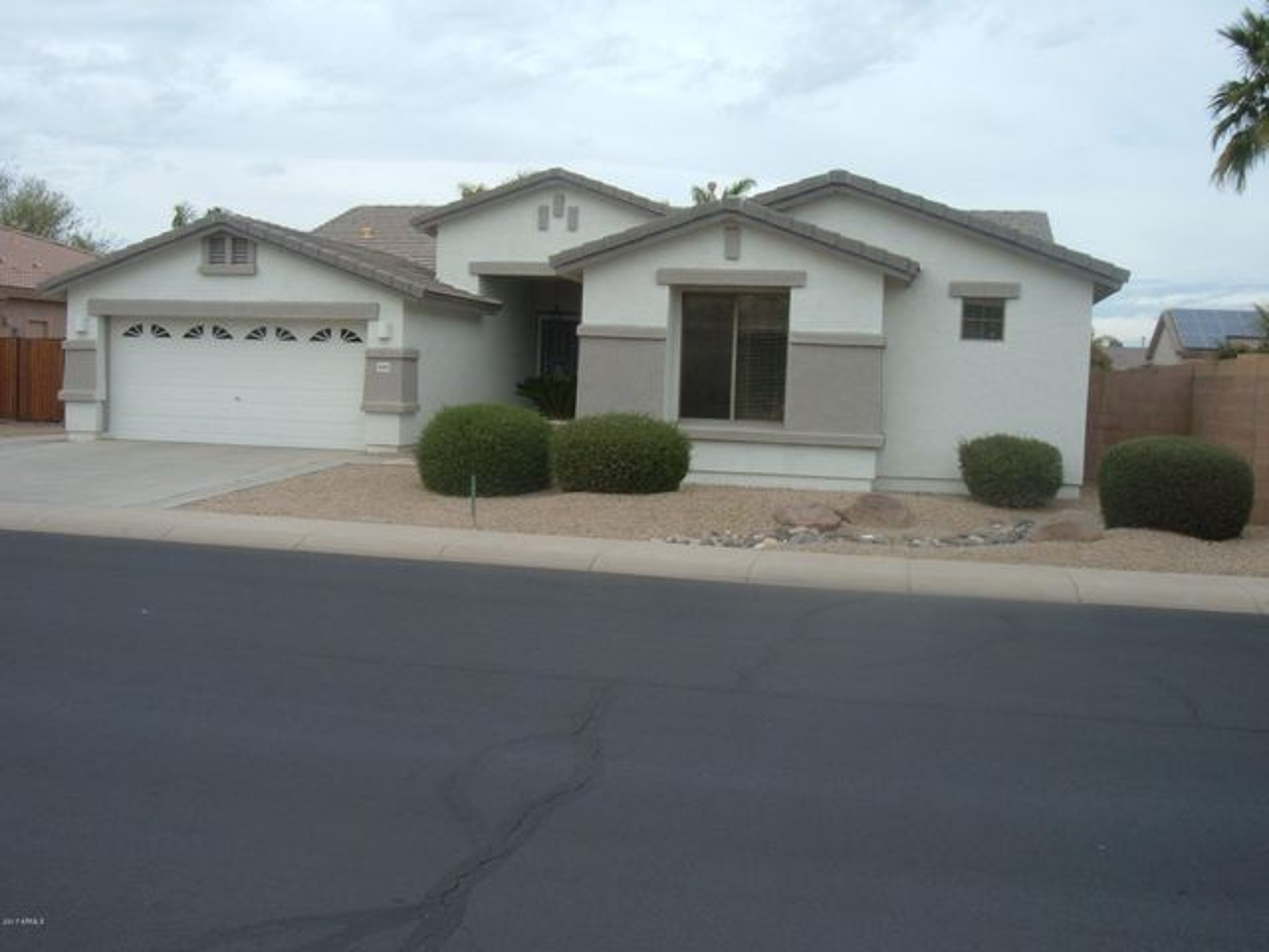 16746 W WELLINGBOROUGH Road, Surprise, AZ 85374