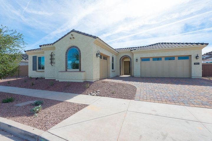 2923 E Valencia Drive, Phoenix, AZ 85042