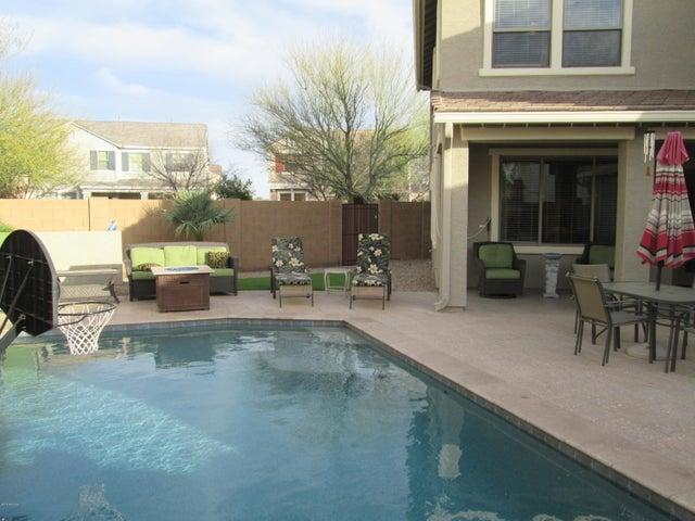 1744 S ROANOKE Street, Gilbert, AZ 85295