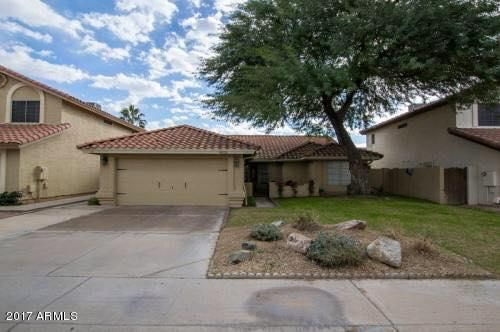 Great Location in Ahwatukee walking distance to Trader Joe's and Safeway and good freeway access.