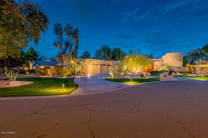 8641 S WILLOW Drive, Tempe, AZ 85284