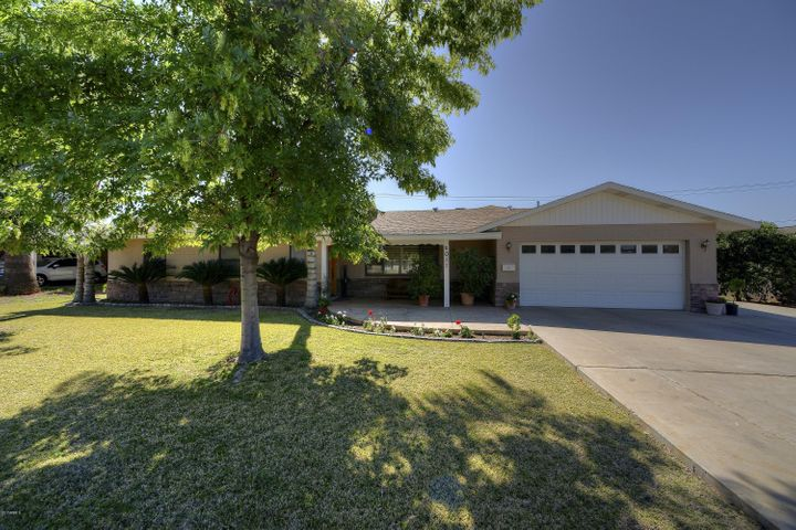 5011 E MITCHELL Drive, Phoenix, AZ 85018