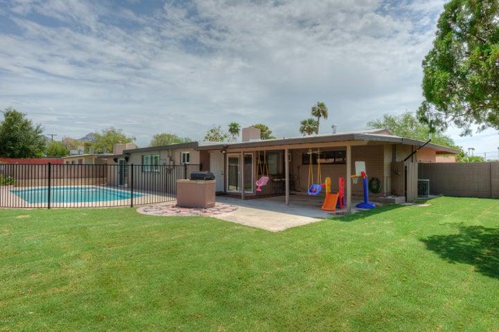1022 E HARMONT Drive, Phoenix, AZ 85020