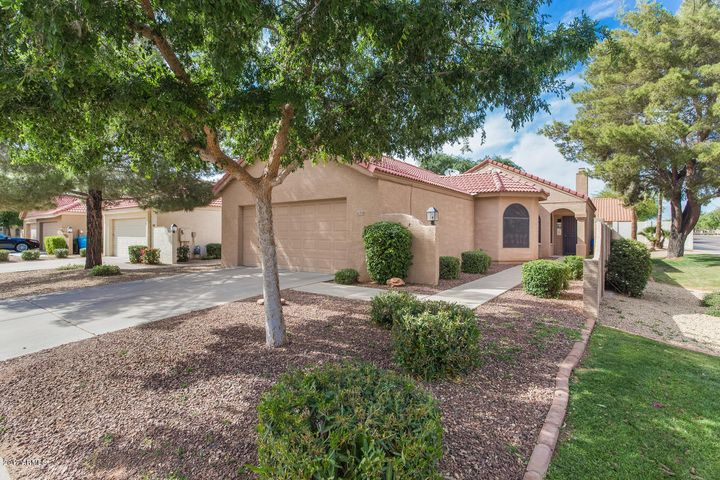 Scottsdale 85254, Vaulted Ceilings, Community Pool