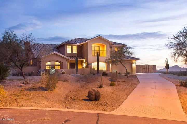 Home is set on a beautiful lot, with incredible views.