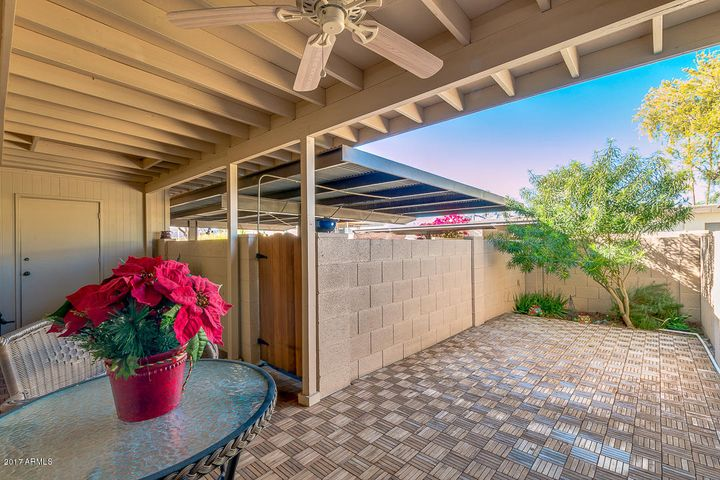 8208 E BERRIDGE Lane, Scottsdale, AZ 85250