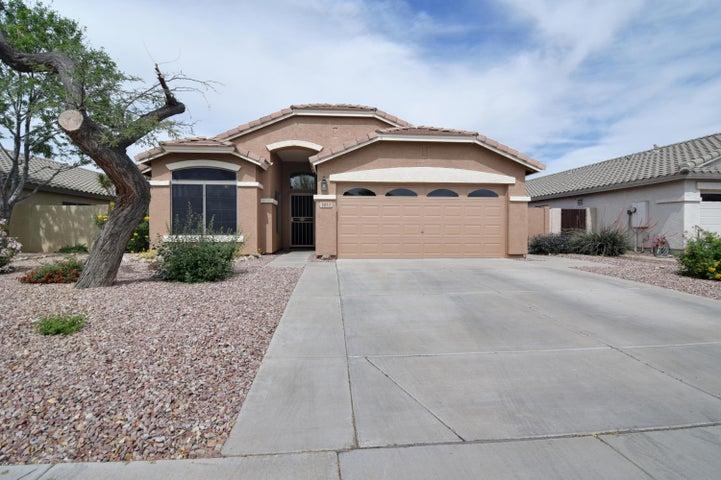 3852 E LONGHORN Drive, Gilbert, AZ 85297