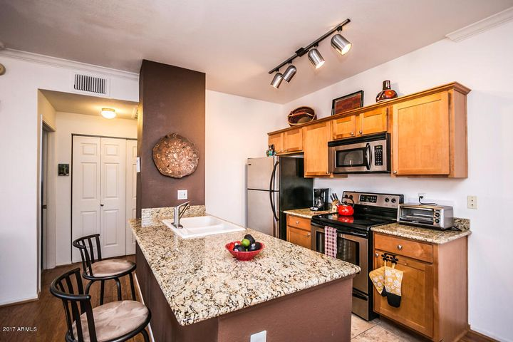 Kitchen & Breakfast Bar - Most Furnishings Available!