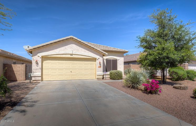 372 W Dexter Way, San Tan Valley, AZ 85143