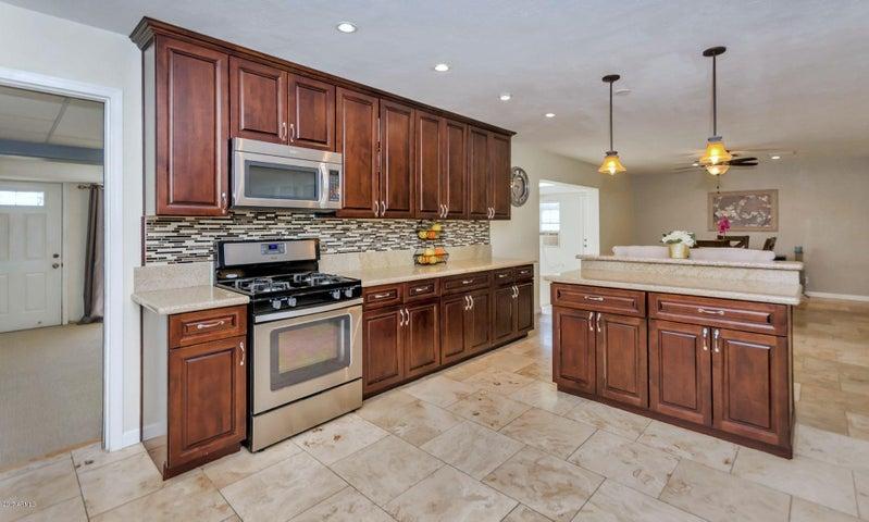 7243 E ROOSEVELT Street, Scottsdale, AZ 85257