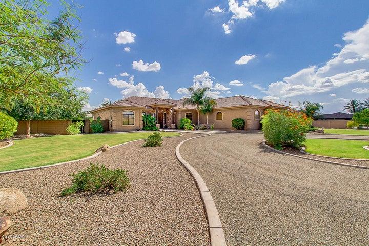 3221 E REGAL Drive, Gilbert, AZ 85298