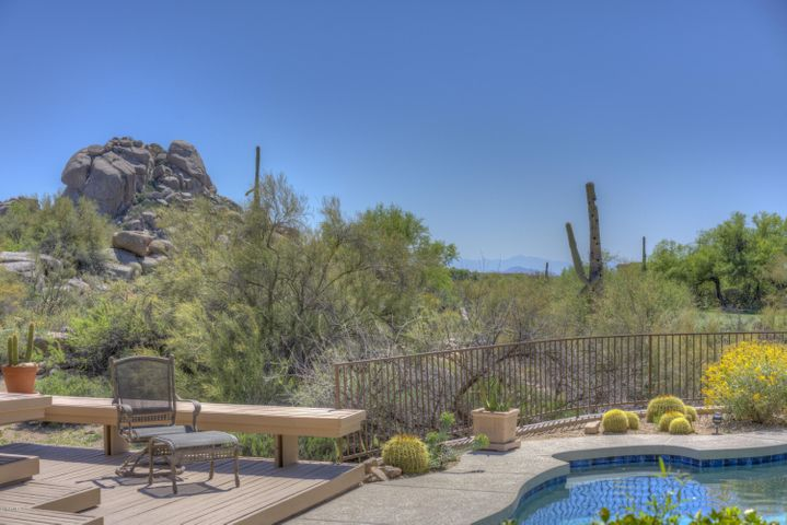 Private Lot Joins Scenic Desert and Golf Course