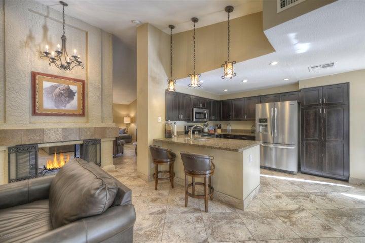 5623 E HARTFORD Avenue, Scottsdale, AZ 85254