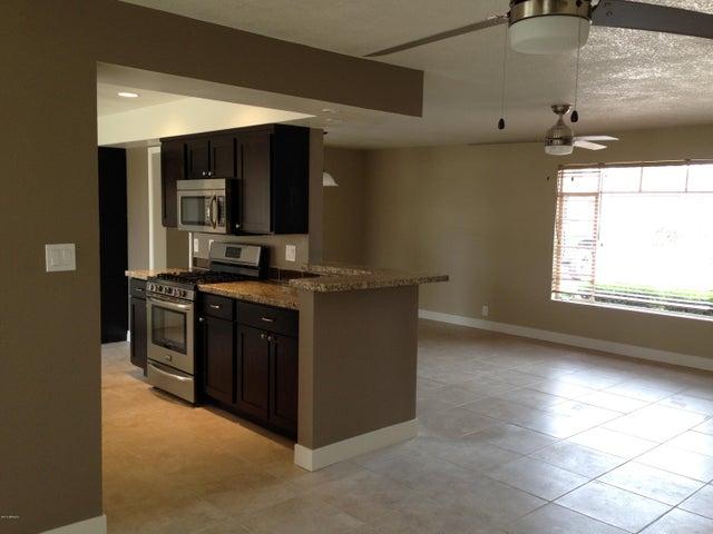 1737 W COOLIDGE Street, Phoenix, AZ 85015