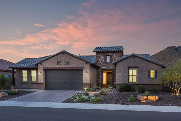 810 W MOLLY Lane, Phoenix, AZ 85085