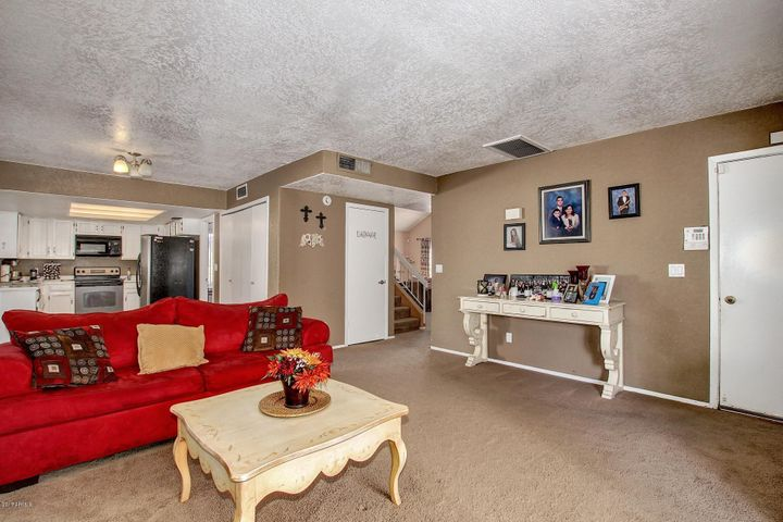 1820 S Ash Avenue, Mesa, AZ 85202