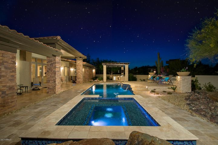 Spectacular Property With Amazing Backyard